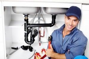 Un plombier professionnel