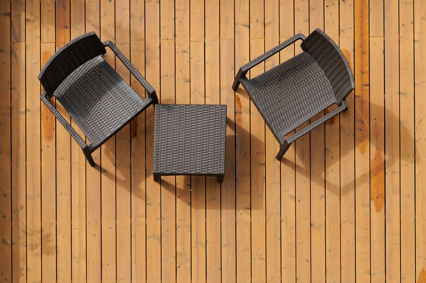 avantages et inconv nients des diff rents types de terrasse. Black Bedroom Furniture Sets. Home Design Ideas