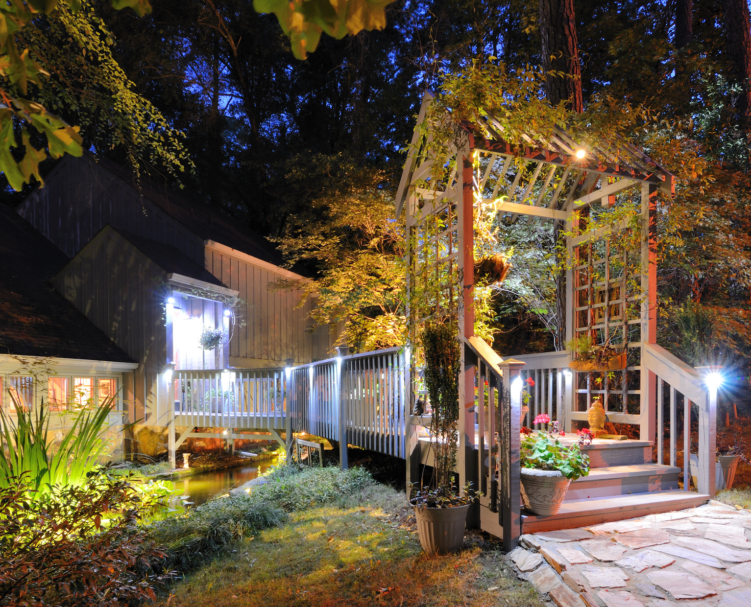 Prix de travaux d 39 clairage ext rieur et devis for Eclairage jardin exterieur