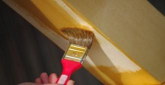 traitement charpente pinceau
