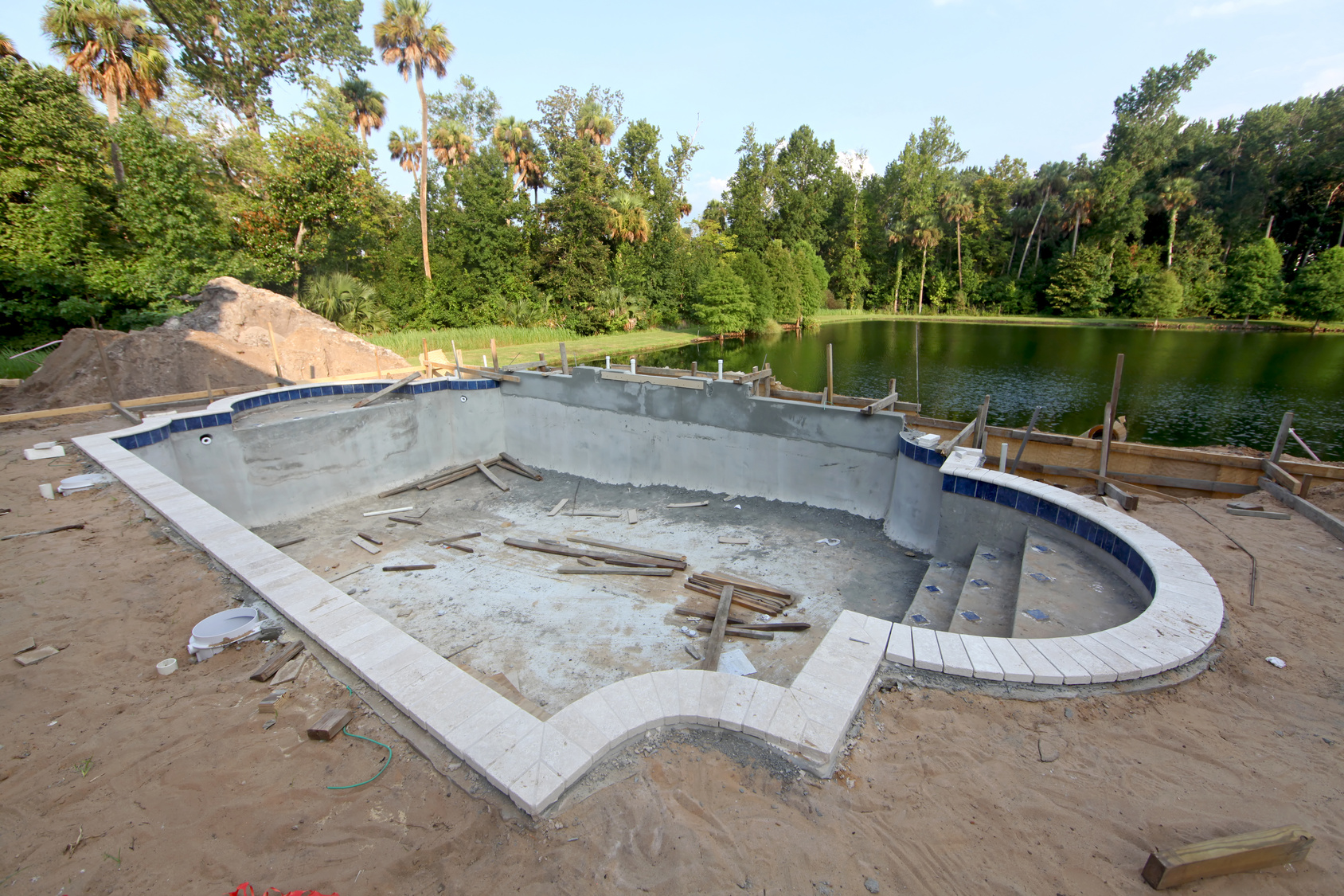 construction piscine bton