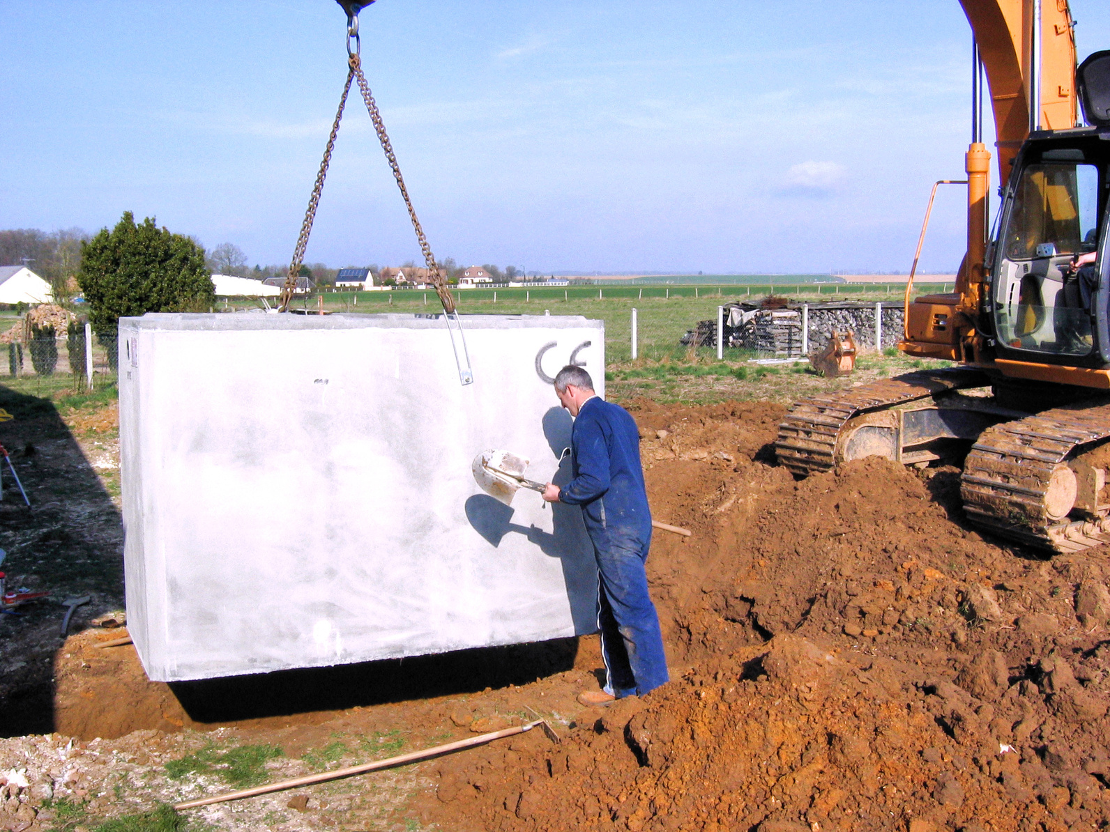 Le cout d 39 une fosse toutes eaux et de son installation - Cout d une construction de maison ...