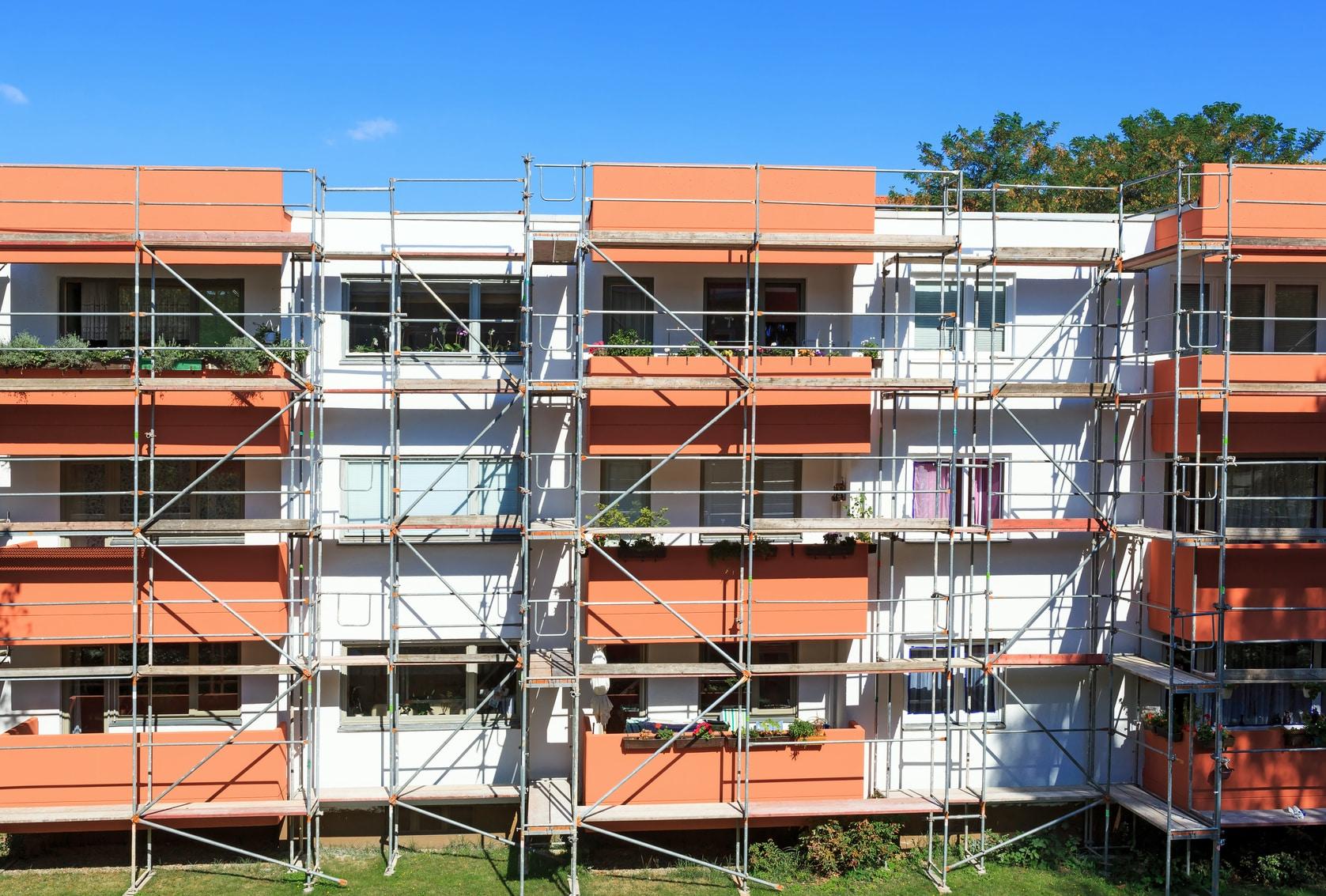 Prix d 39 un traitement de fa ade au m2 for Prix renovation electrique au m2
