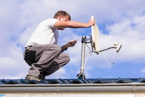 Le prix de pose d'une antenne de toit
