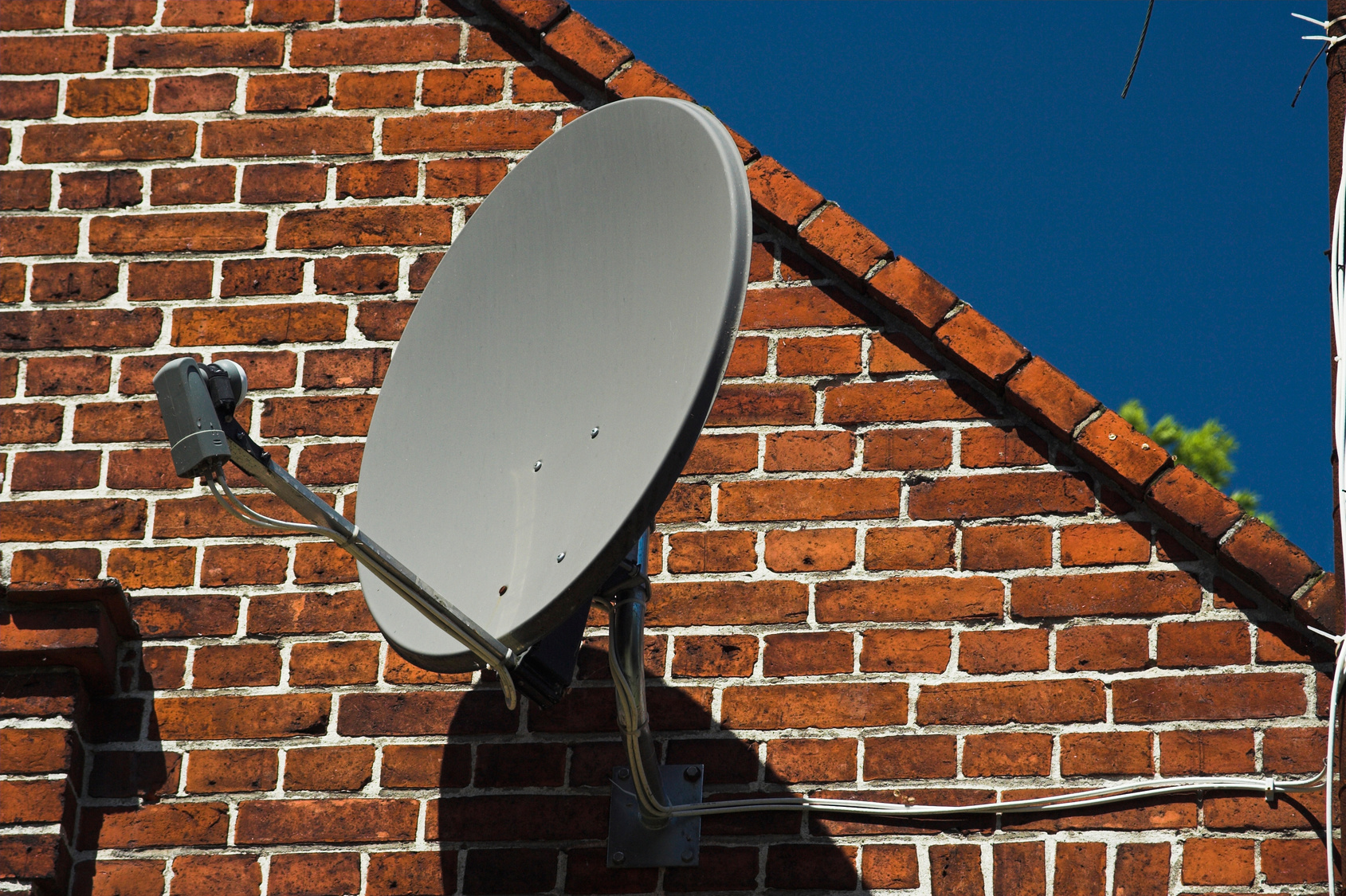 Parabole prix - Comment installer une parabole satellite ...