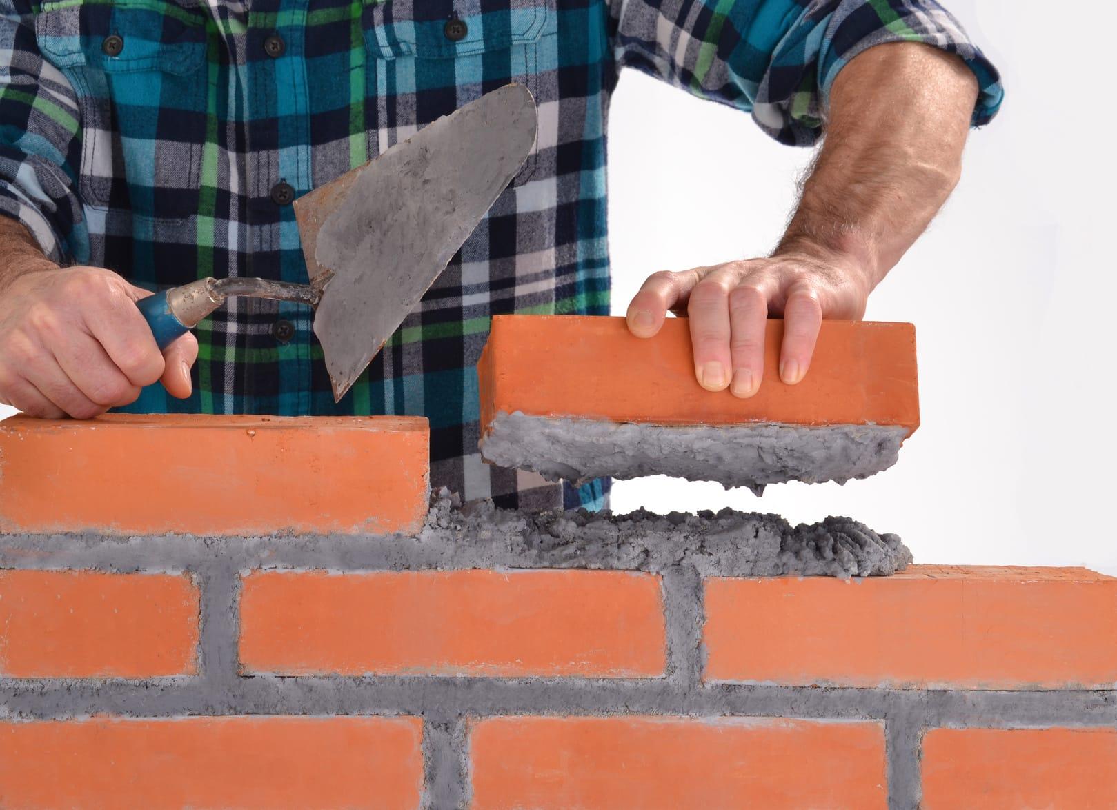 Monter un mur en brique facilement for Mur de brique exterieur