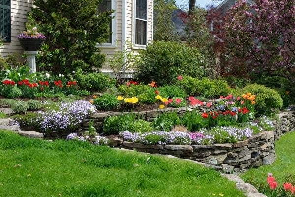 Le coût d'un enrochement de jardin