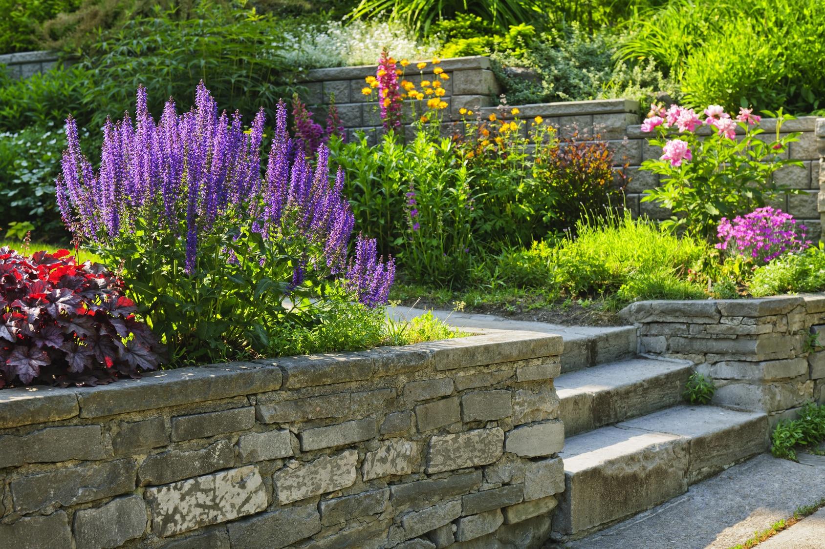 Jardin En Pente Comment Faire faire un enrochement de talus