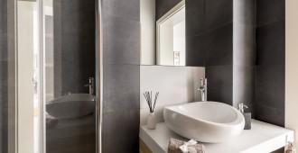salle de bain petit format
