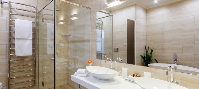 Guide en r novation et devis travaux r t - Remplacer sa baignoire par une douche ...