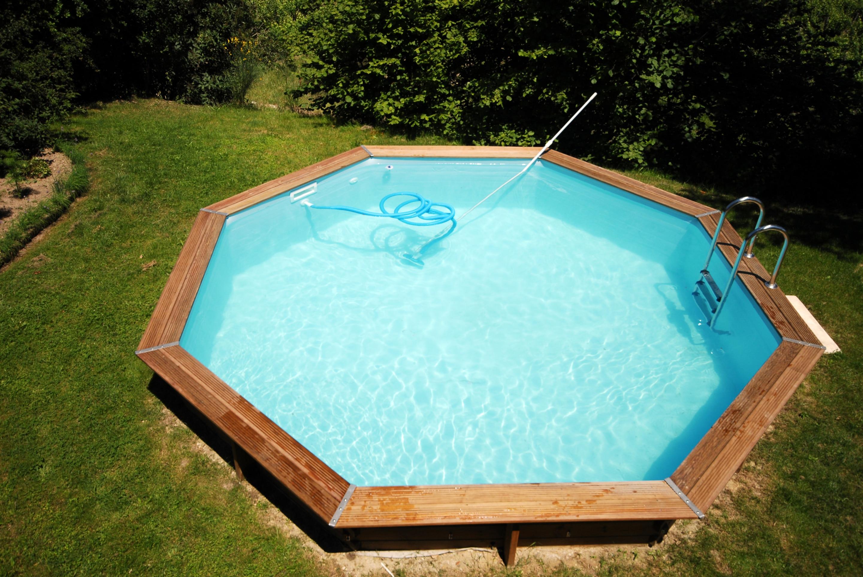 Comment Monter Une Piscine Hors Sol prix d'une piscine hors sol en bois