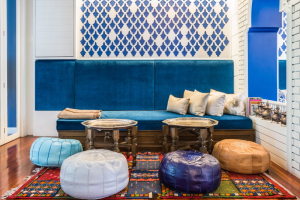 salon-marocain-contemporain-bleu