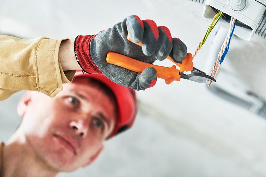 Devis d'un électricien professionnel