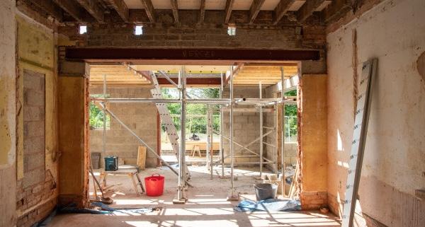 Est-ce possible d'agrandir une maison sur un terrain non constructible ?