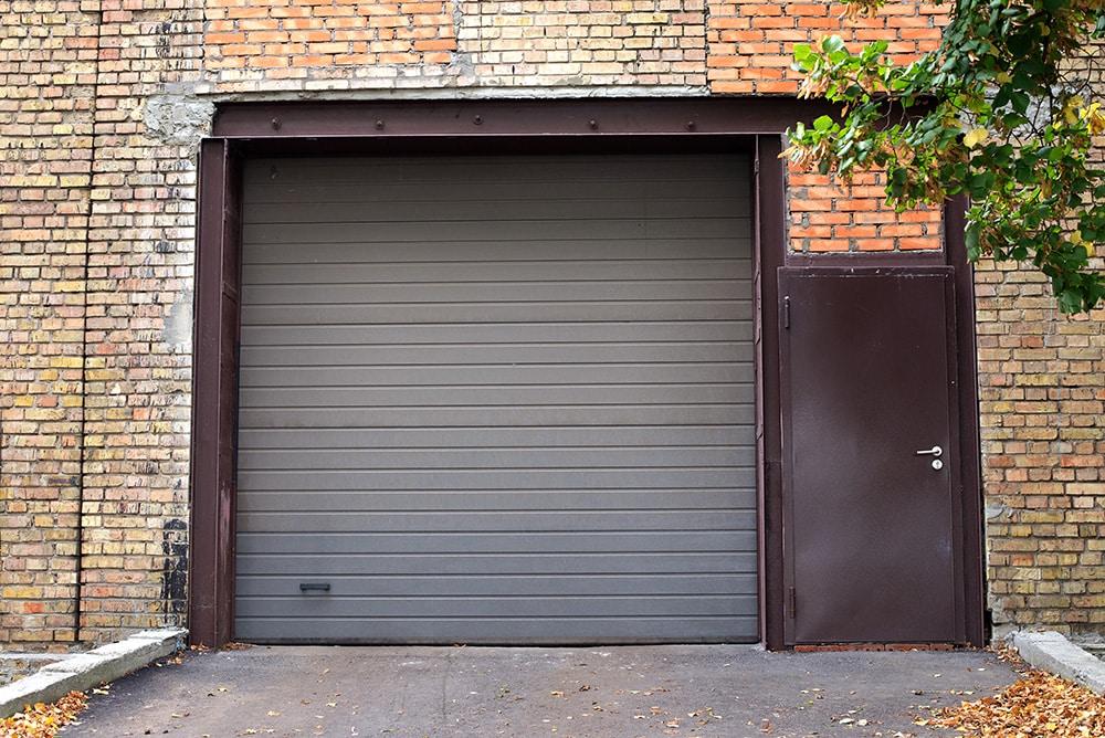 Prix d'une porte de garage en acier