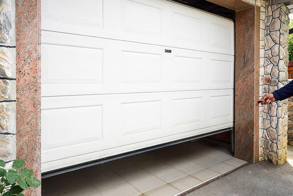 Devis de porte de garage selon le matériau