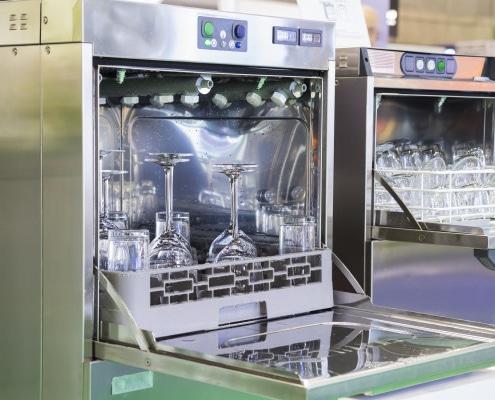 Lave-vaisselle encastrable : comment l'installer ?