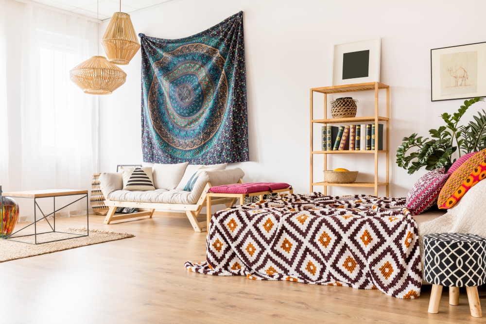 Studio avec décoration orientale