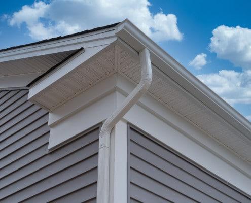 Conseils de pose d'habillage de toiture en PVC