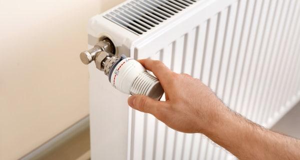 Conseils pour purger le radiateur d'un chauffage au gaz