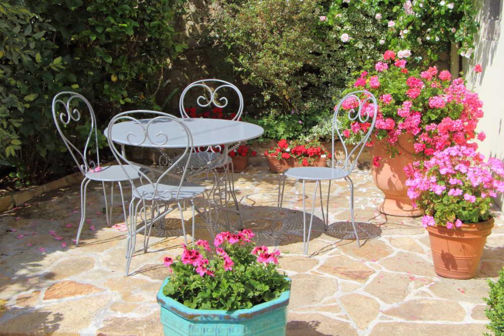 Idée décoration d'une terrasse fleuri
