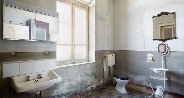 Conseils de traitement de moisissure de salle de bain