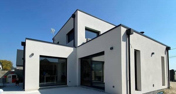 La maison cubique vue dehors