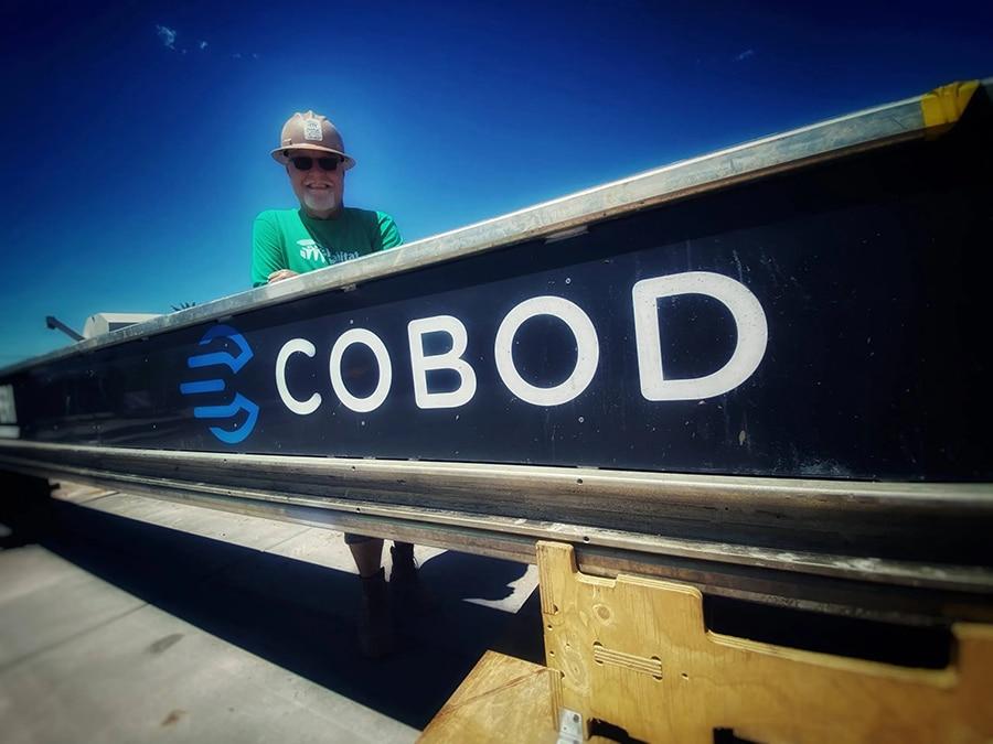 Artisan sur le chantier COBOD