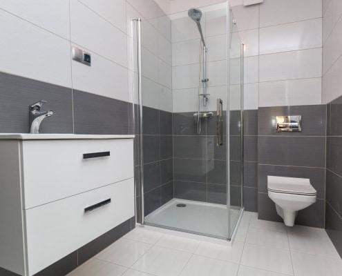 Mur de salle de bain : comment l'habiller ?