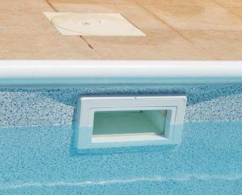 Comment réussir l'installation d'un régulateur de niveau piscine ?