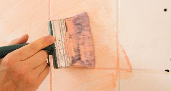 Carrelage de salle de bain : comment le repeindre ?