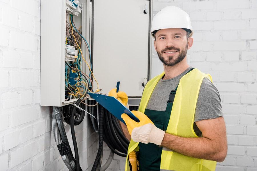 Électricien à Nanterre avec un devis